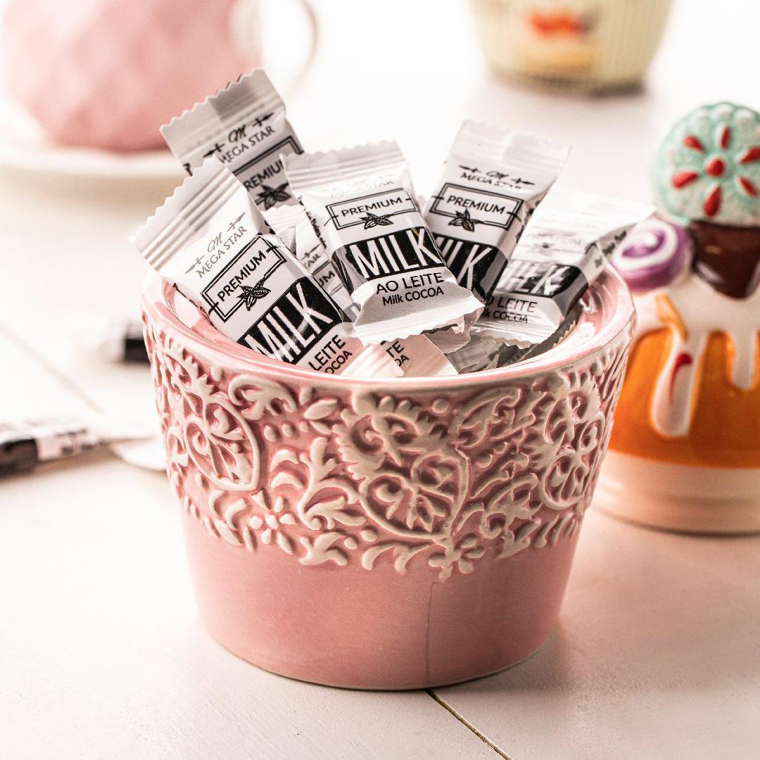 شکلات شیری مگا استار وزن 1 کیلوگرم
